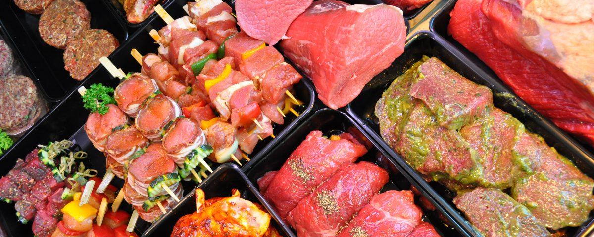 Spieße und andere Fleischprodukte von Feiertag